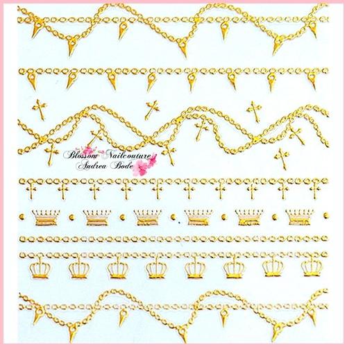 Chain Queen Sticker Gold
